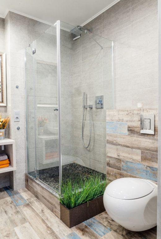 Круглый туалет инсталляция вместе с душевой