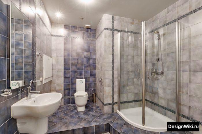 Небольшая квадратная плитка для ванной