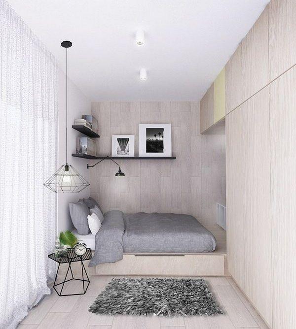 Очень маленькая спальня в двух цветах