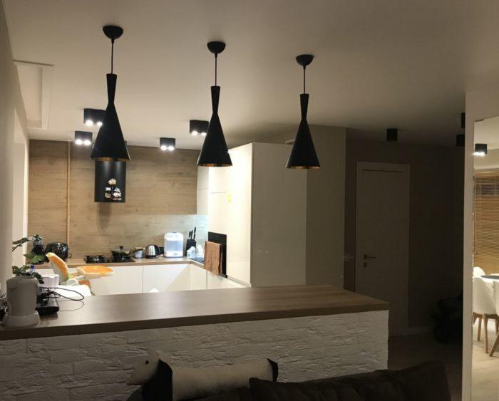 П-образная кухня в квартире студии