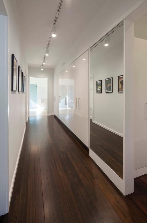Реальное фото дизайна коридора в квартире