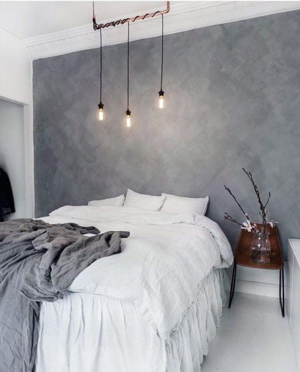 Серая декоративная штукатурка в спальне