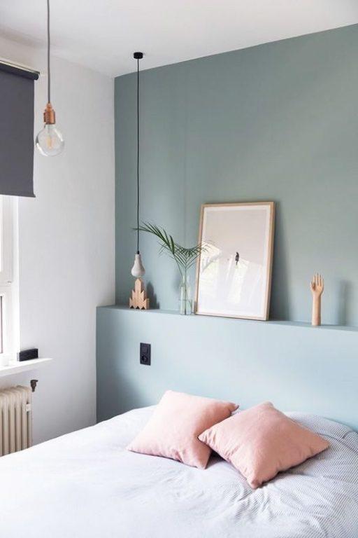 Серо-голубой цвет стен в спальне