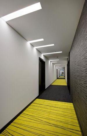 Скрытая подсветка в дизайне коридора