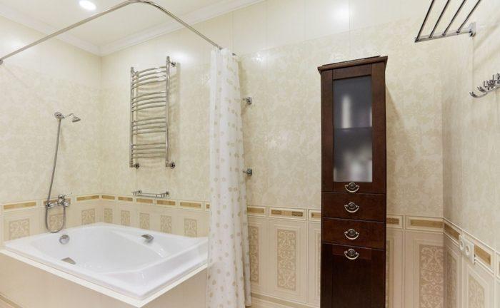 Совмещённая с туалетом ванная в классическом стиле