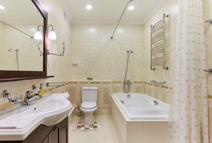 Современная классика в ванной совмещенной с туалетом