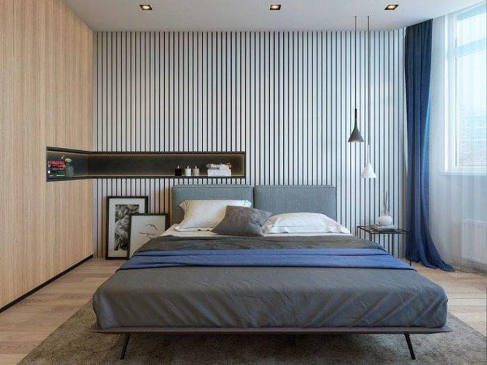Современная спальня с полосатыми обоями