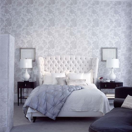 Сочетание обоев в интерьере спальни