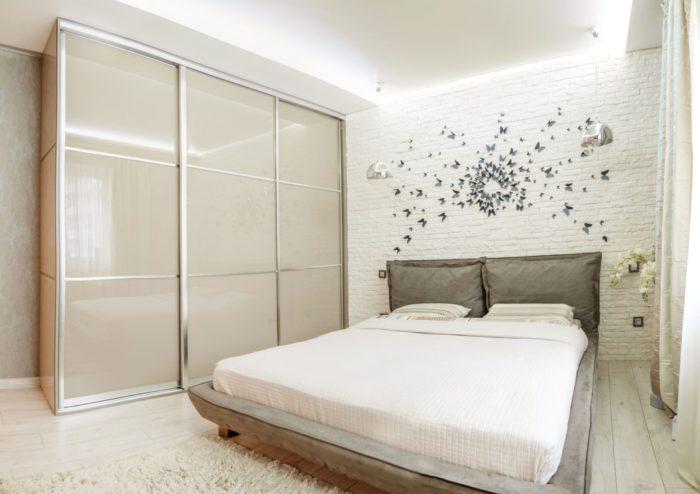 Спальня в пастельных цветах