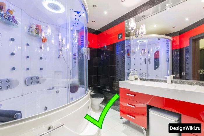 Черно-красная плитка для ванной комнаты