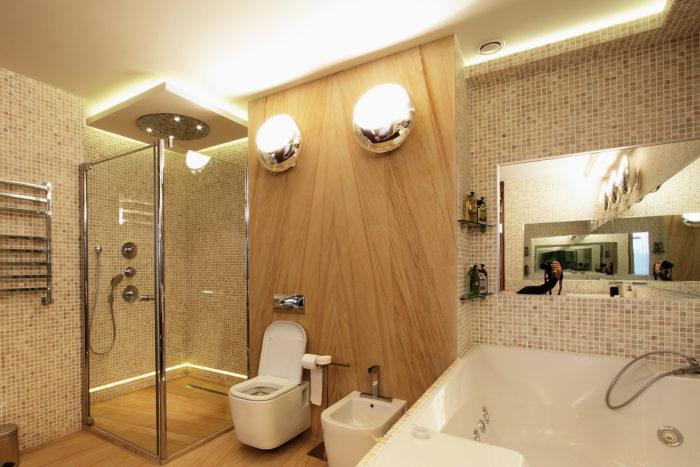 Шикарный дизайн совмещённой с туалетом ванной