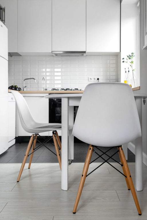 Шкафы до потолка на кухне
