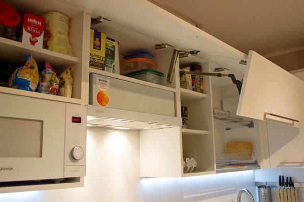 Подъемная фурнитура в кухонном гарнитуре