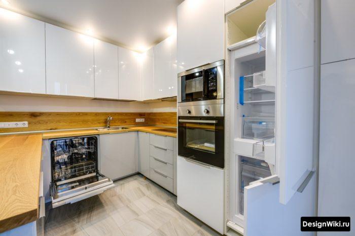 Проект кухни со встроенным холодильником