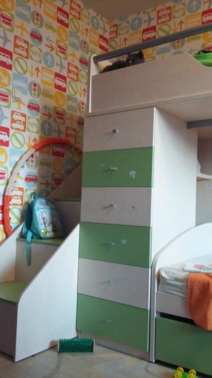 Выдвижные ящики в двухуровневой кровати