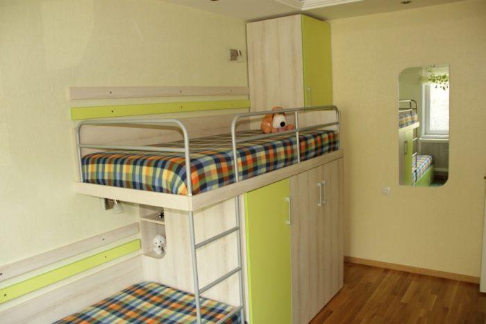 Двухъярусная кровать для разнополых детей