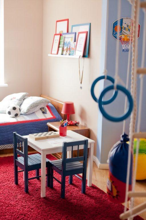 Детский столик для двух мальчиков #интерьерквартиры #интерьердетской