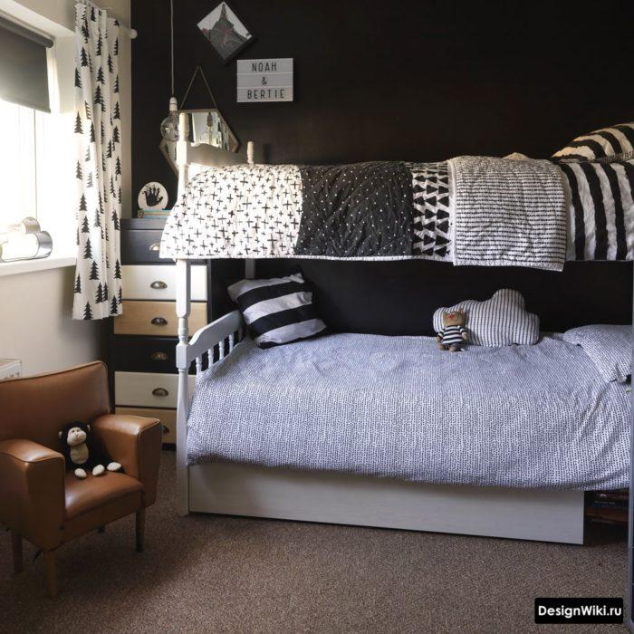 Комната для мальчика в серых и черных цветах