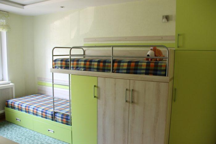Кровать лесенкой для двоих детей