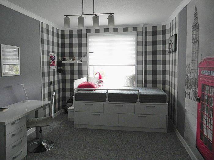 Кровать с местами хранения в детской