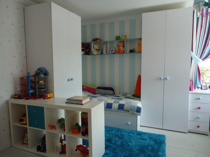 Планировка и расположение мебели в детской для двоих