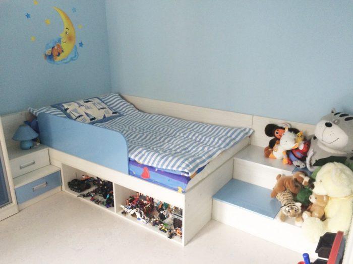 Ящики в детской кровати