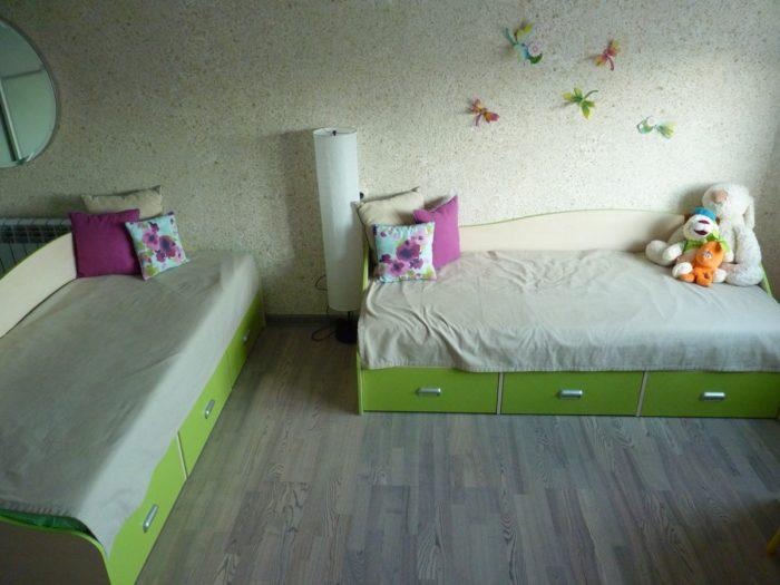 Зелёная мебель в детской