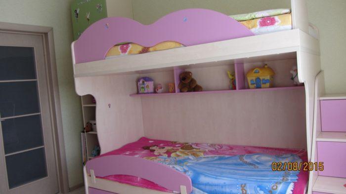 Кровать в 2 уровня для девочек