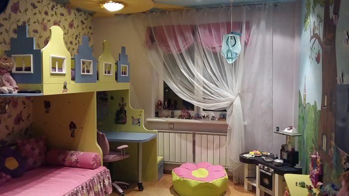 Сказочная тема детской для двоих девочек