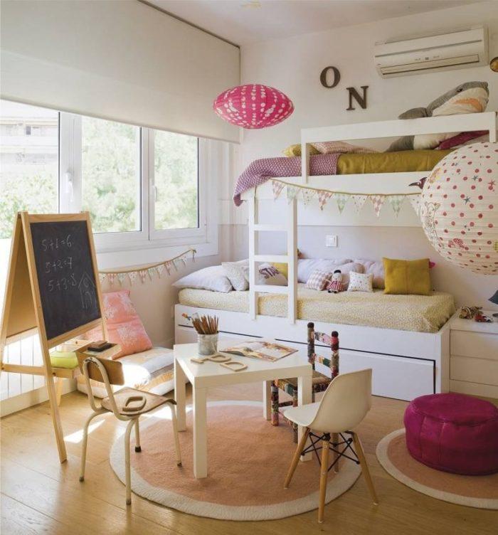 Современный интерьер детской для двоих девочек