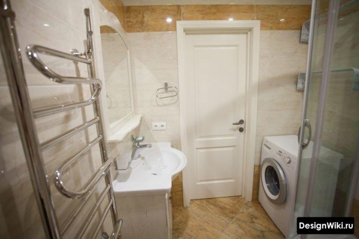 Интерьер реальной маленькой ванной эконом класса