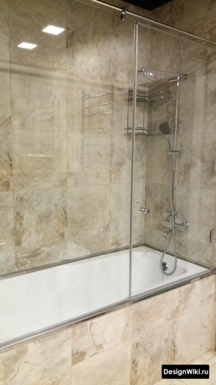 Модная плитка в очень маленькой ванной