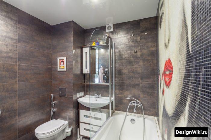 Натяжной матовый потолок в маленькой ванной