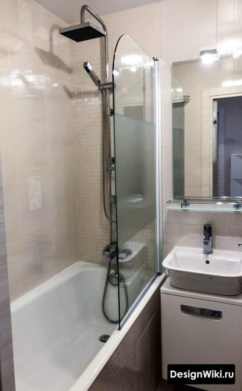 Очень маленькая ванная комната без туалета