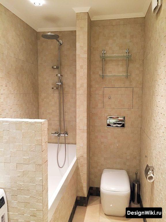 Пиксельная плитка в интерьере ванной с туалетом и стиралкой