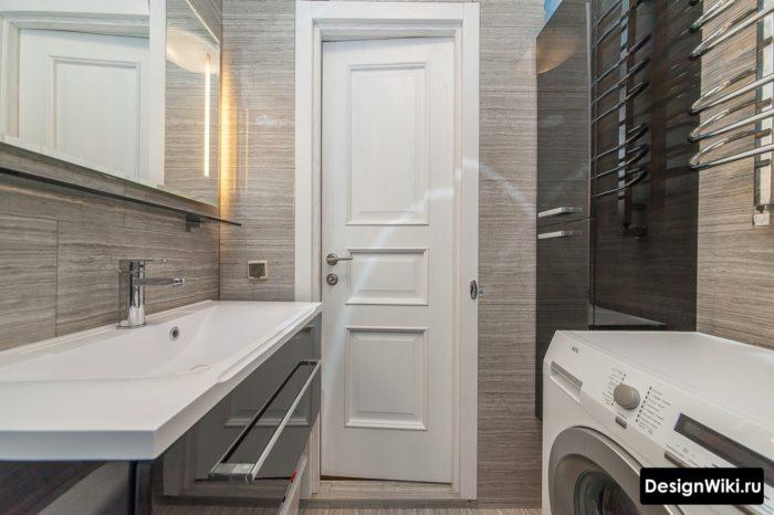 Реальный интерьер маленькой ванной комнаты