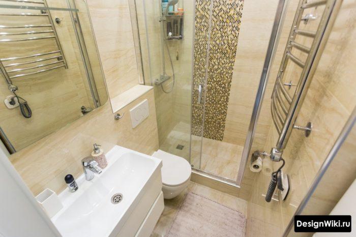 Современная малая ванная с душем