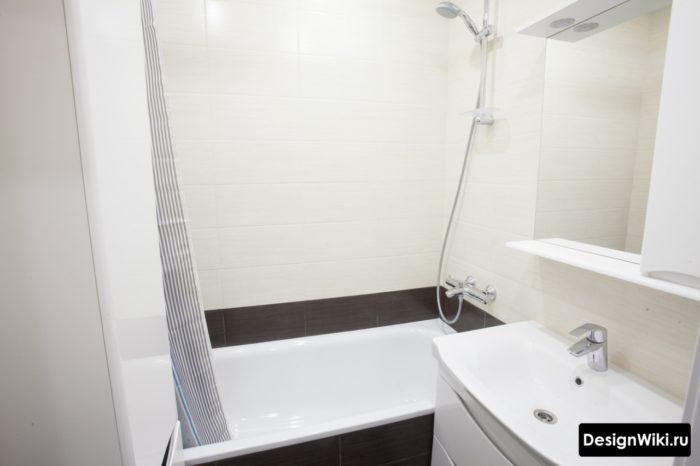 Черно-белая маленькая ванная