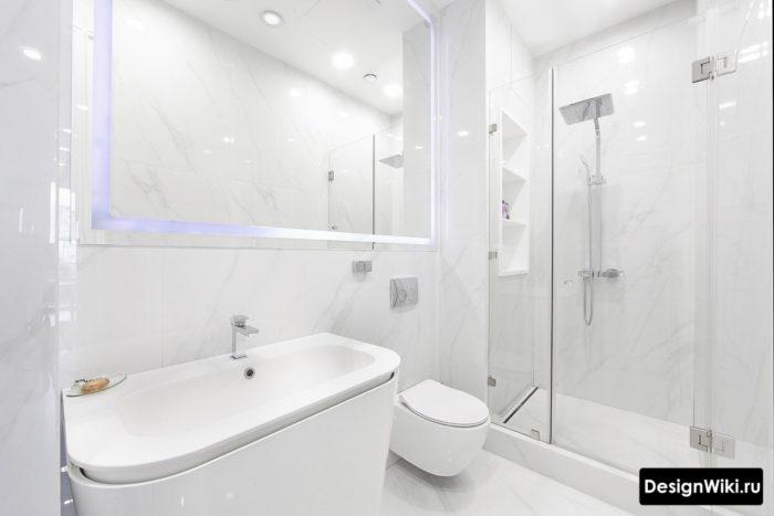Белый интерьер ванной комнаты в стиле минимализм