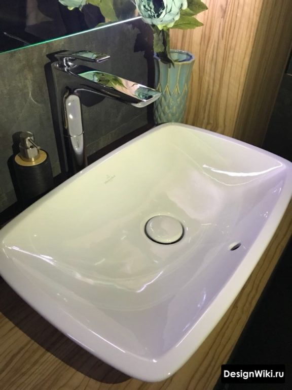 Дизайн современной накладной раковины в ванной комнате