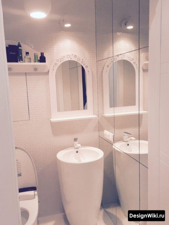 Напольная раковина тюльпан в туалете