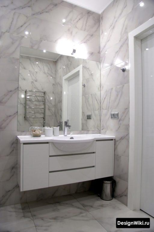 Подвесная тумба в ванной