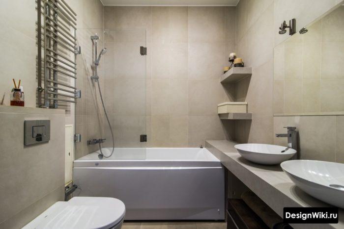Современная идея для ванной комнаты - крупная плитка