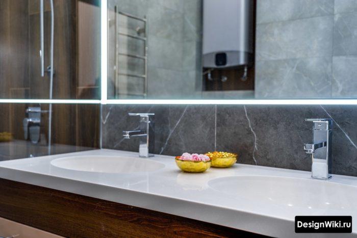 Современный дизайн ванной комнаты со столешницей