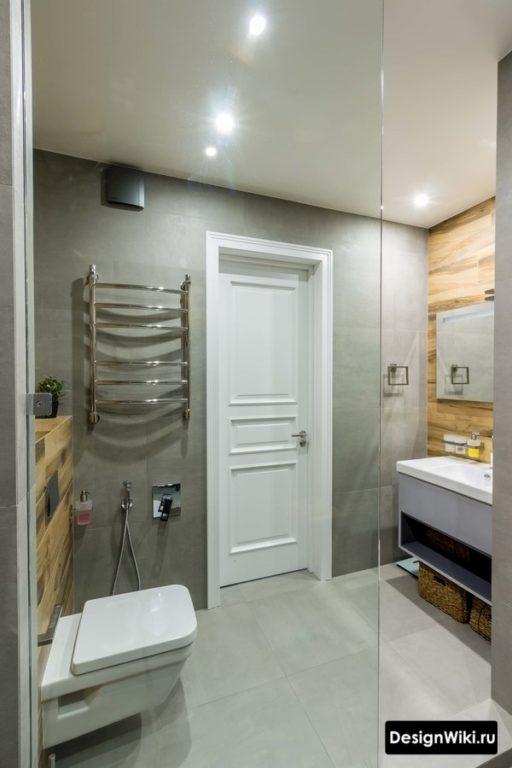 Современный дизайн ванной с туалетом и душем
