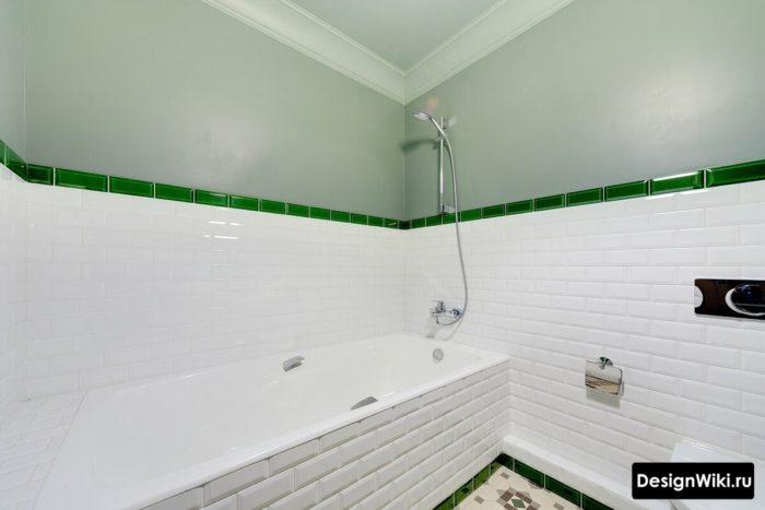 Сочетание плитки и краски в ванной в скандинавском стиле