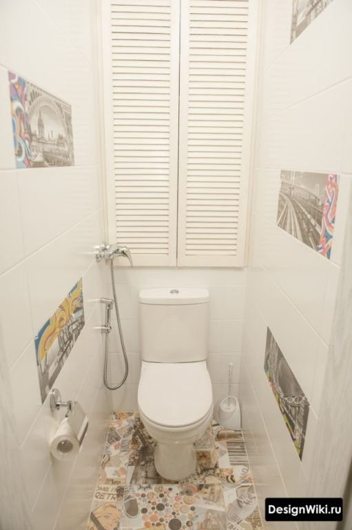 Туалет в стиле модерн с жалюзи для скрытия труб