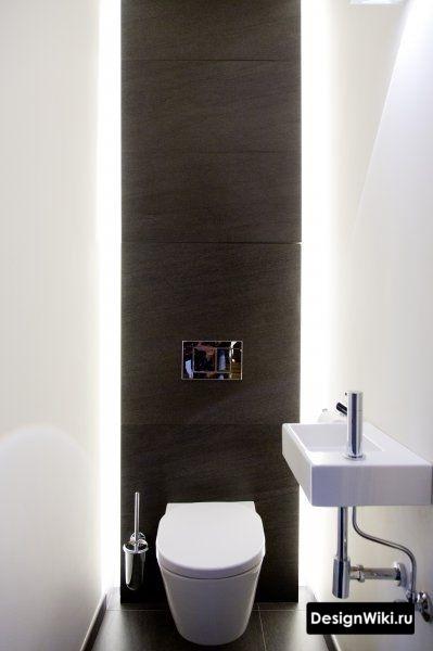 Чёрно-белый туалет с подсветкой