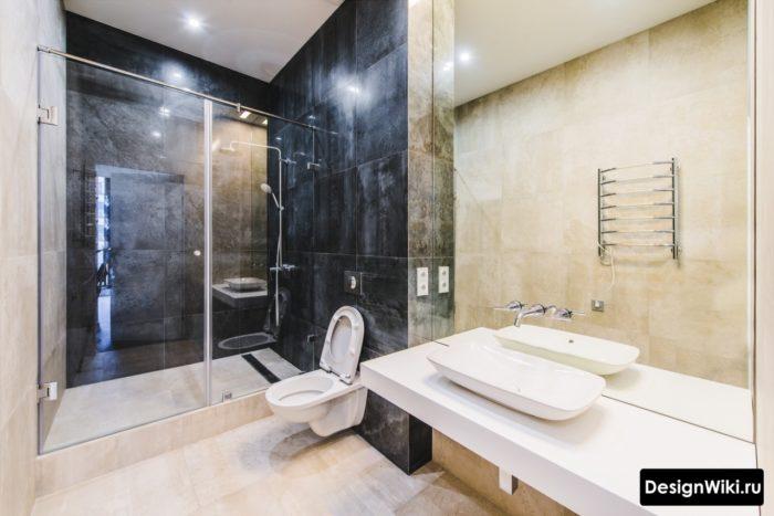 Большая ванная с душем в стиле лофт