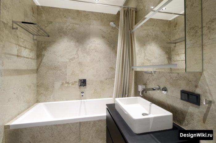 Крутая матовая плитка под камень в ванной